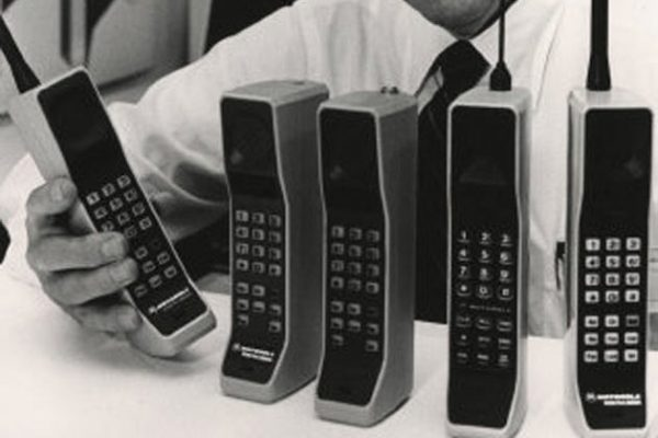 motorola-dynatac-phones-030413