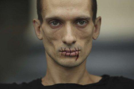 400790_pyotr-pavlensky01reutersfoto-handout_ff