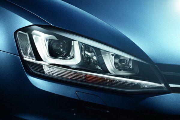 2013-Volkswagen-Golf-Mk7-Head-Light-2-1024x683