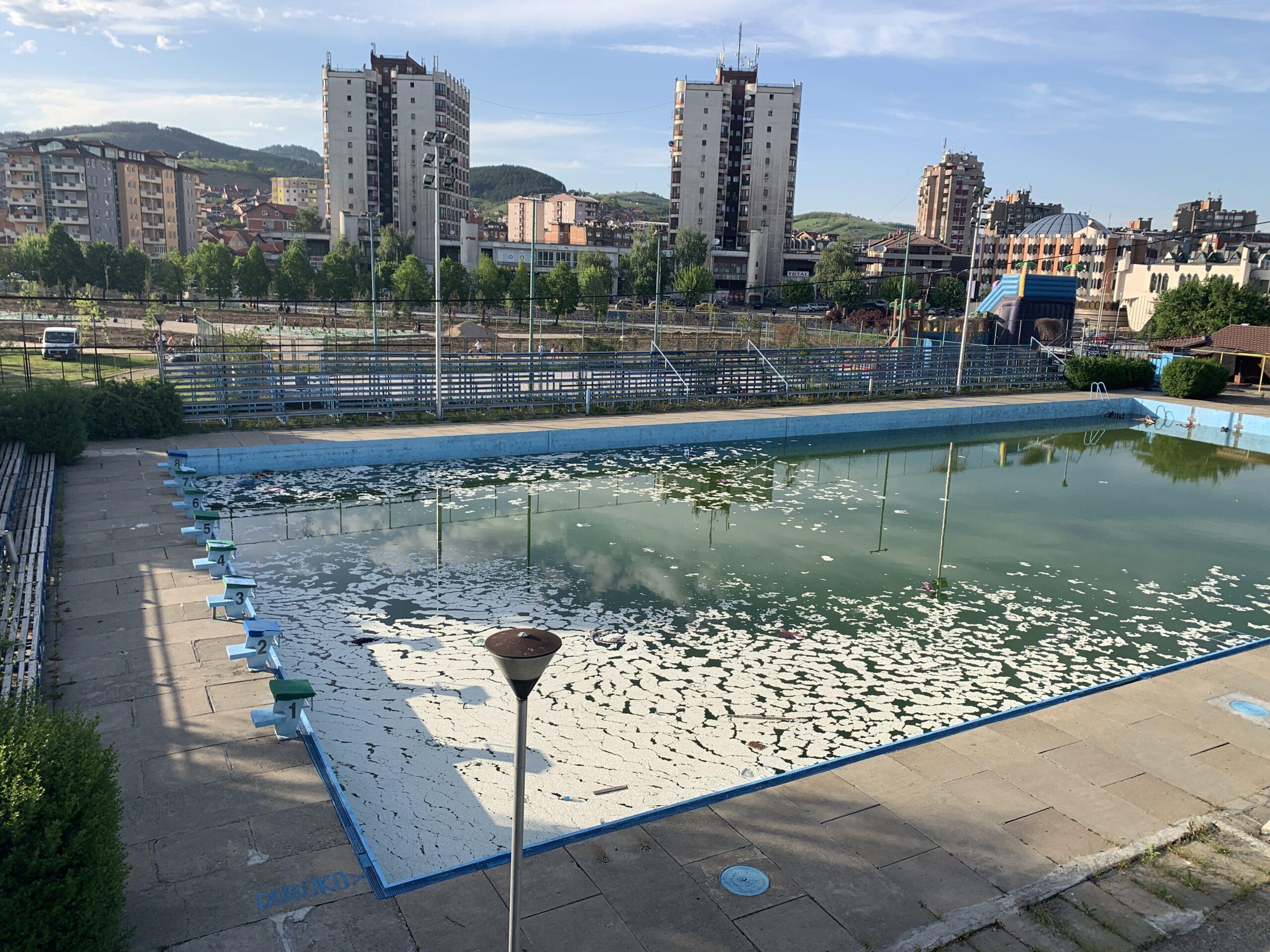 novi-pazar:-zabranjen-rad-bazena-i-svih-javnih-kupalista