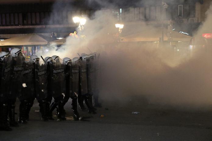 rebic:-povredjeno-118-policajca,-procesuirane-153-osobe