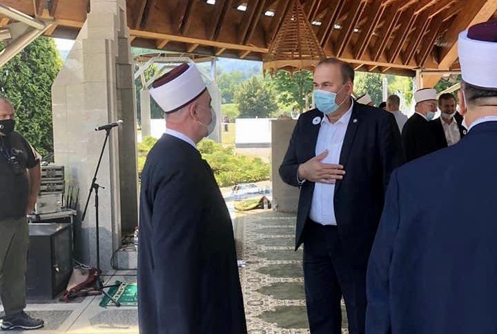 hasanovic:-obaveza-svakog-bosnjaka-da-pamti-genocid-u-srebrenici