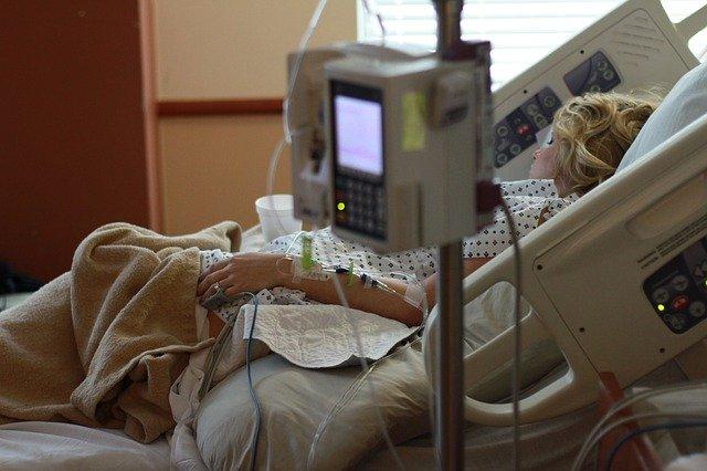 pacijentkinja-umrla-zbog-hakerskog-napada-na-bolnicu