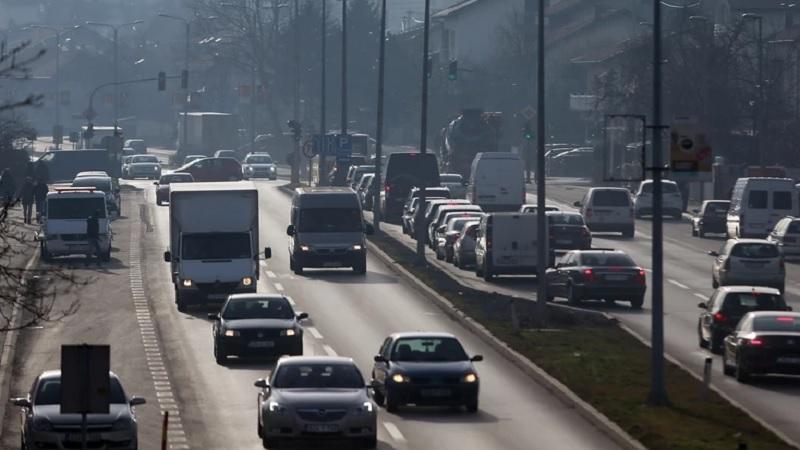amss:-vozite-oprezno-zbog-ceste-promene-vremena