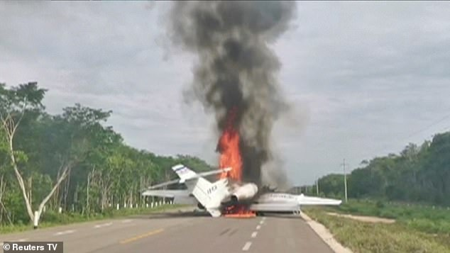 srusio-se-avion-sa-400-kilograma-kokaina