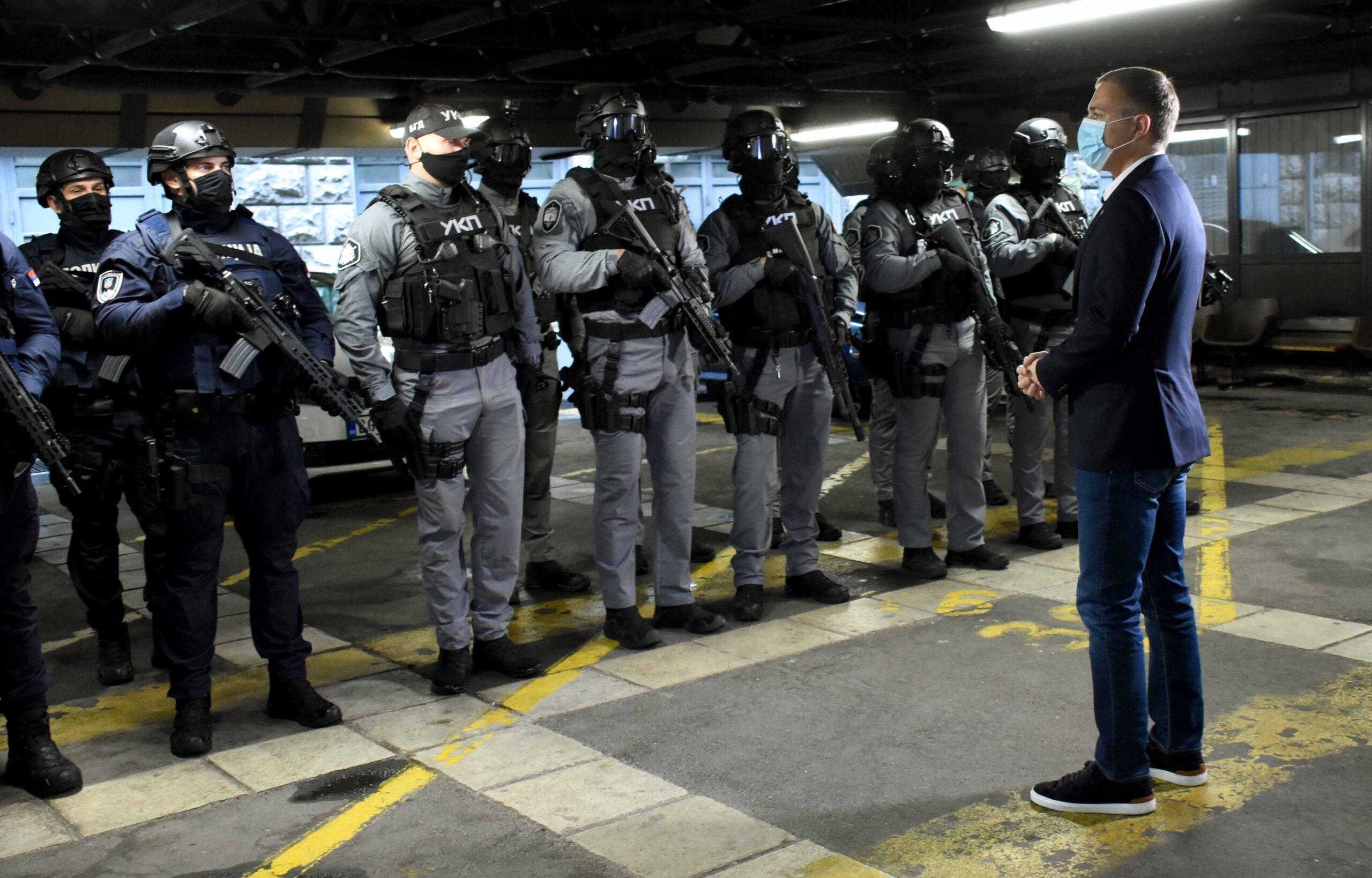 u-toku-velika-akcija-policije!-uhapseno-5-pripadnika-dve-kriminalne-grupe,-dvojica-u-bekstvu