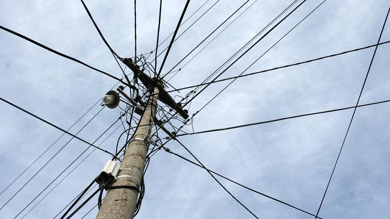 u-ponedeljak-jedna-ulica-i-selo-bez-struje