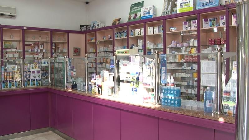 apoteke-dobro-snabdevene.-maske-i-dezinfekciona-sredstva-najtrazeniji