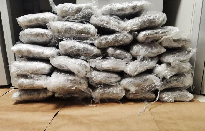 uhapsen-na-ibarskoj-magistrali-sa-22-kilograma-marihuane