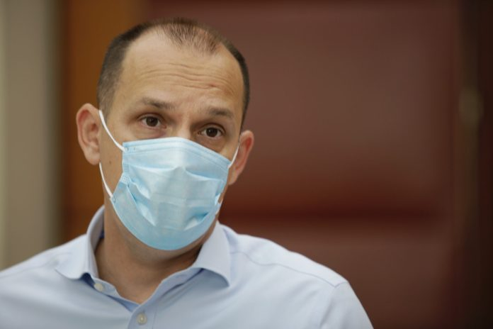 loncar:-u-srbiji-zarazeno-vise-od-800-zdravstvenih-radnika