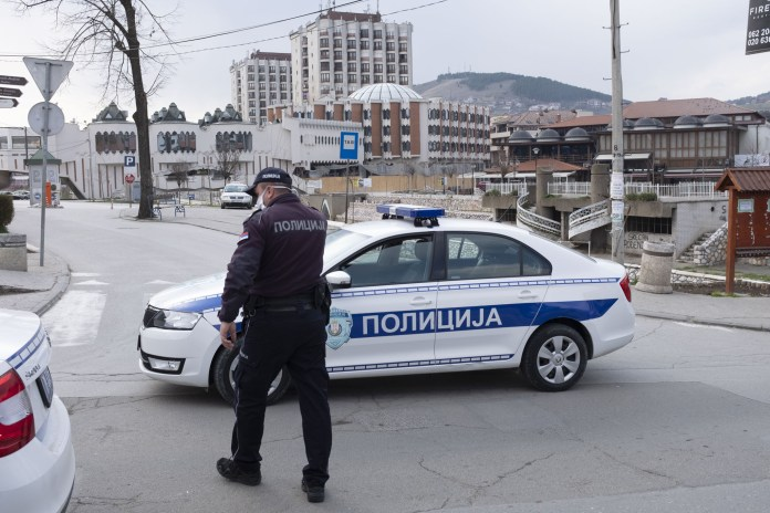 novi-pazar:-uhapsen-muskarac-koji-je-pretio-novinaru