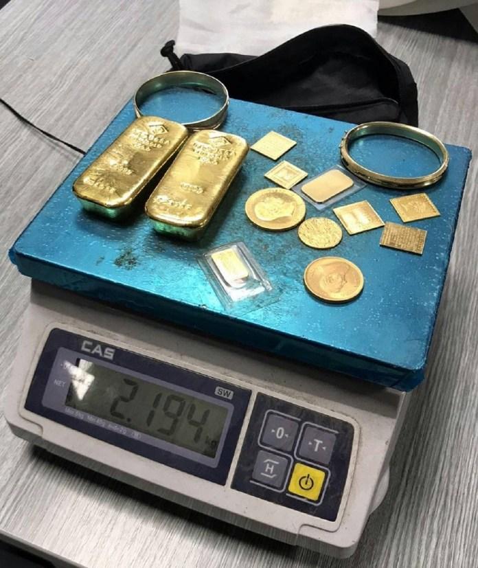 zlatne-poluge-u-mercedesu-nemackih-registracija-(foto)