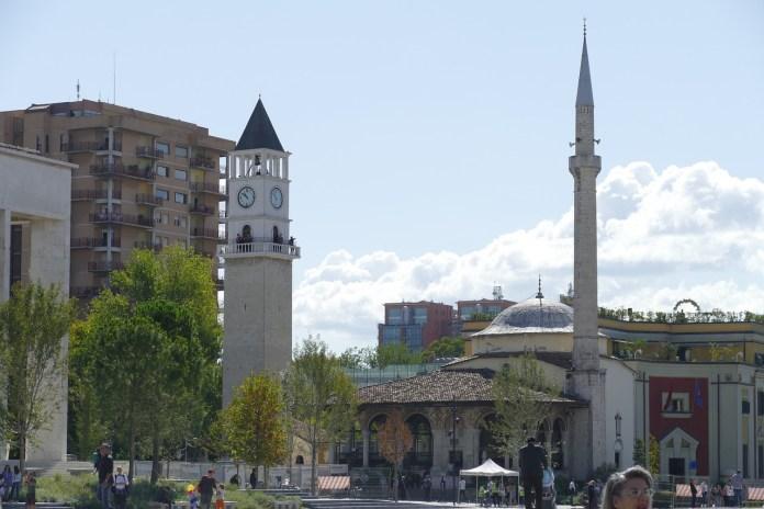 u-albaniji-840-novozarazenih,-umrlo-16-osoba