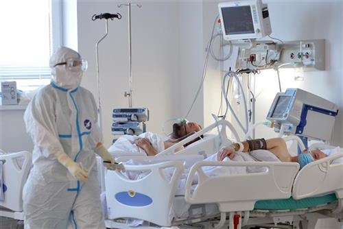 rekordan-broj-pacijenata-na-respiratorima,-u-bolnicama-8.489-pacijenata
