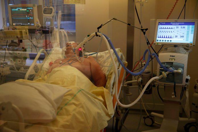 novi-crni-rekord-u-sad:-za-dan-preminulo-3.110-pacijenata