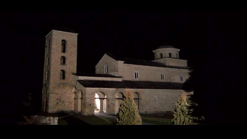 rtv-novi-pazar-na-licu-mesta-u-manastiru-sopocani-nakon-izbijanja-pozara-(video)