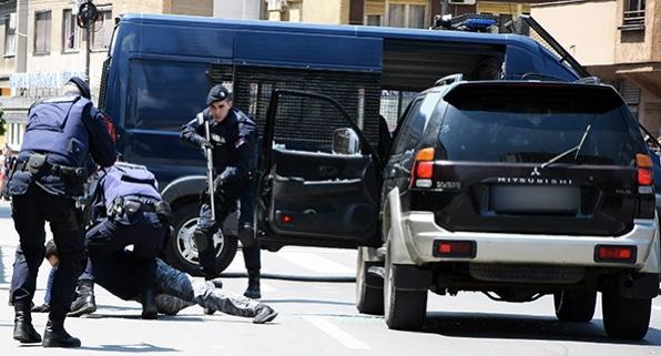 uhapseno-12-osumnjicenih-za-stetu-budzetu-od-122-miliona-dinara