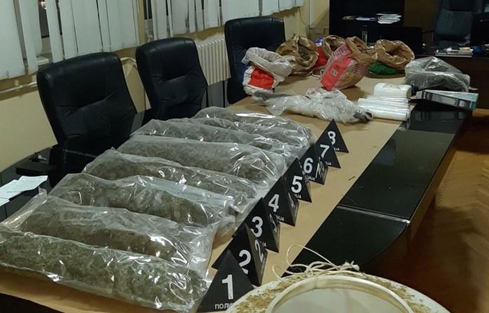 zaplenjeno-15-kg-marihuane,-uhapsen-osumnjiceni