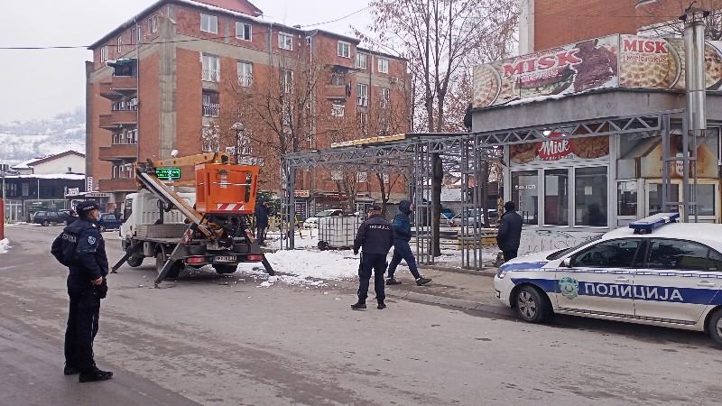 omladinska-ulica-bila-zatvorena-za-saobracaj-zbog-uklanjanja-objekta