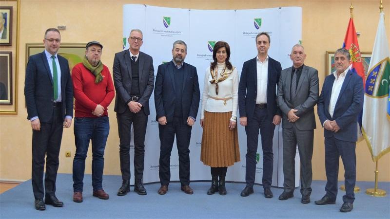 predstavnici-bosnjaka-sjeverne-makedonije-u-posjeti-bnv