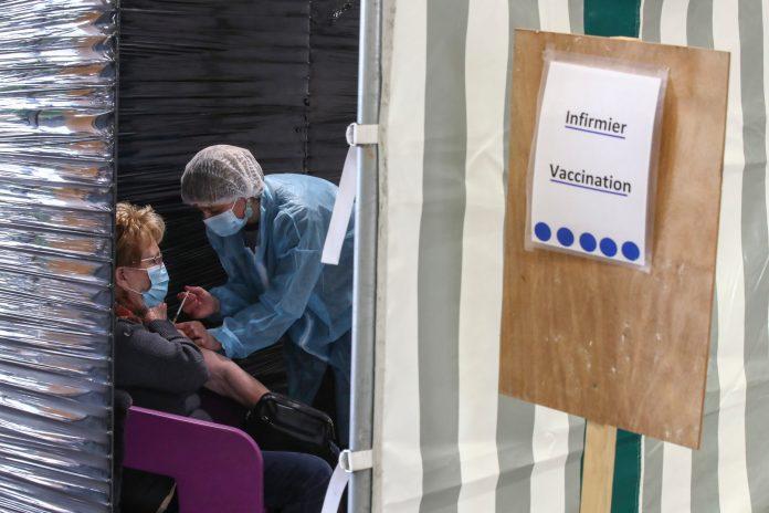 eu:-da-li-vakcinisani-treba-da-imaju-vecu-slobodu-da-putuju?
