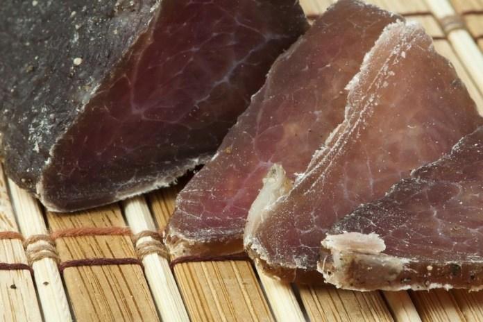nemacki-carinici-zaplenili-600-kilograma-suvog-mesa-sa-balkana