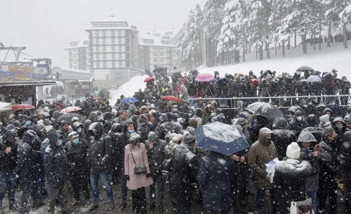 zlatibor-nova-epidemioloska-bomba!-ocekuje-se-30.000-turista-za-sretenje