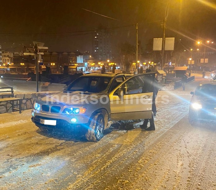 novopazarska-policija-privela-dva-lica!-vozili-pod-dejstvom-droga-pa-izazvali-saobracajnu-nesrecu