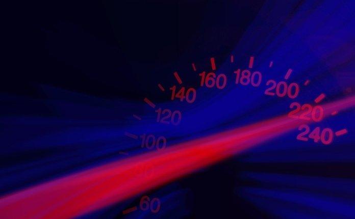 vozio-300-na-sat-na-autoputu-i-stavio-snimak-na-internet