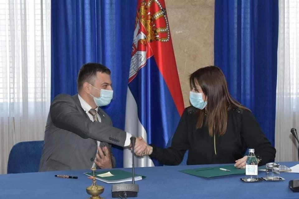 novi-pazar:-potpisani-ugovori-o-realizaciji-niza-ekoloskih-projekata