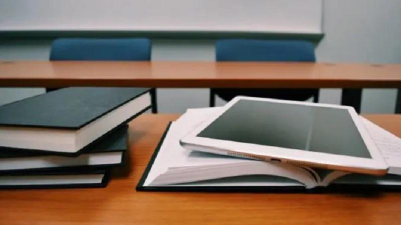 ocenjivanje-moze-onlajn,-a-moze-i-u-skoli