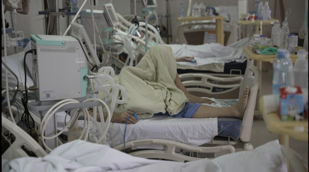 u-srbiji-skoro-4.500-novoobolelih,-preminulo-37-osoba