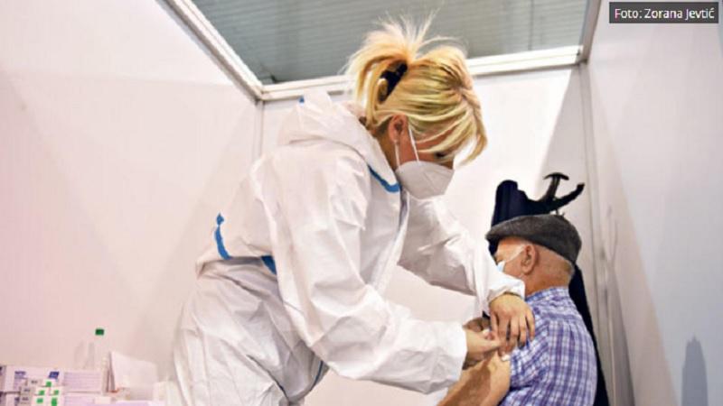 struka-upozorava-–-samo-kombinacija-vakcinacije-i-zastite-mogu-da-zaustave-epidemiju