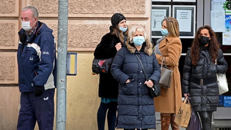 u-hrvatskoj-vise-od-1.300-novooboljelih,-preminula-21-osoba