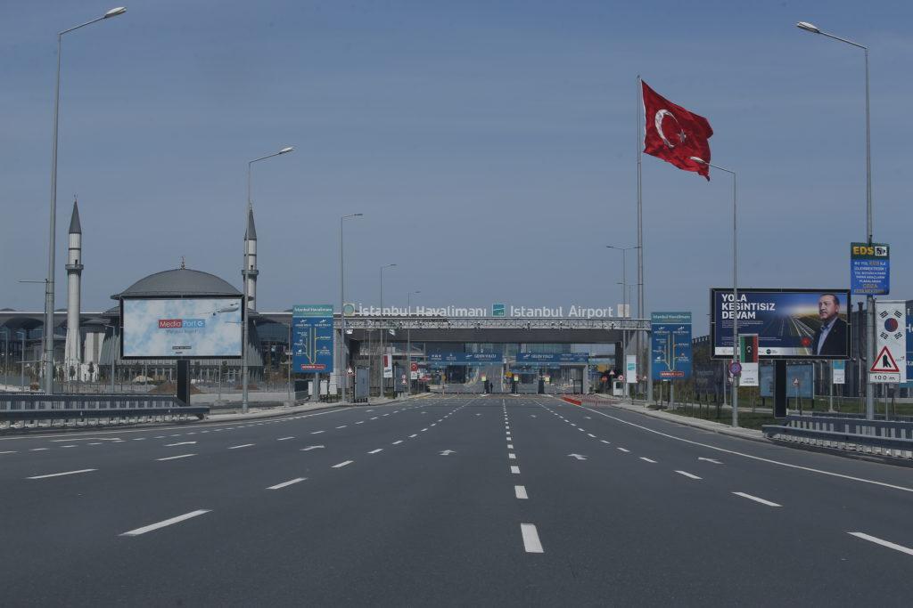 turska-ponovo-uvodi-ogranicenja-zbog-skoka-zaraze-koronom