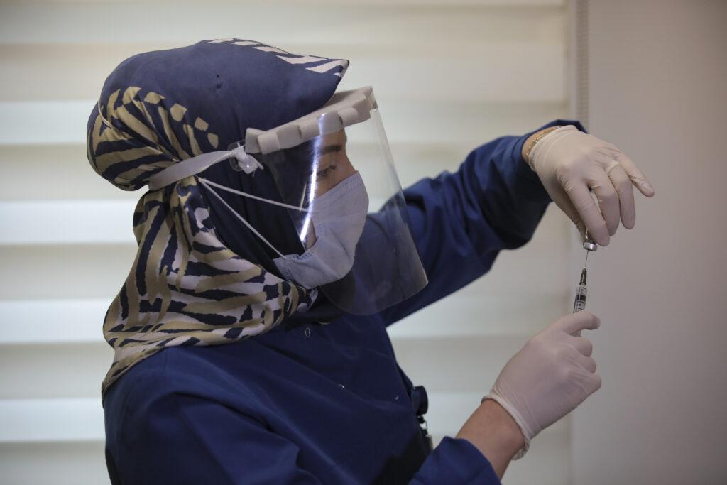 turska-zapocela-vakcinaciju-fajzer/biontek-vakcinom