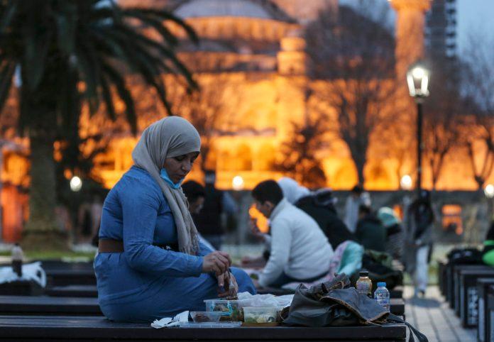 u-turskoj-zarazeno-vise-od-cetiri-miliona-ljudi