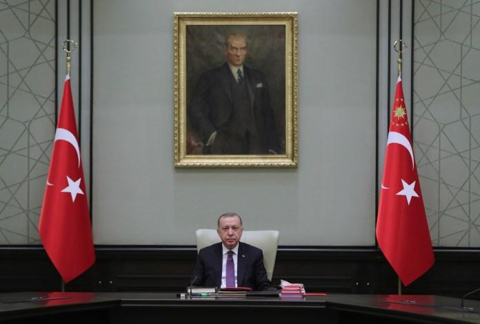 turska:-zabranjuje-se-prodaje-alkohola,-protivnici-vlade-besni