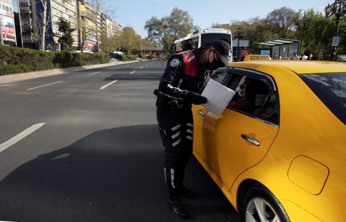 turska:-spreciti-snimanje-policajaca-na-duznosti