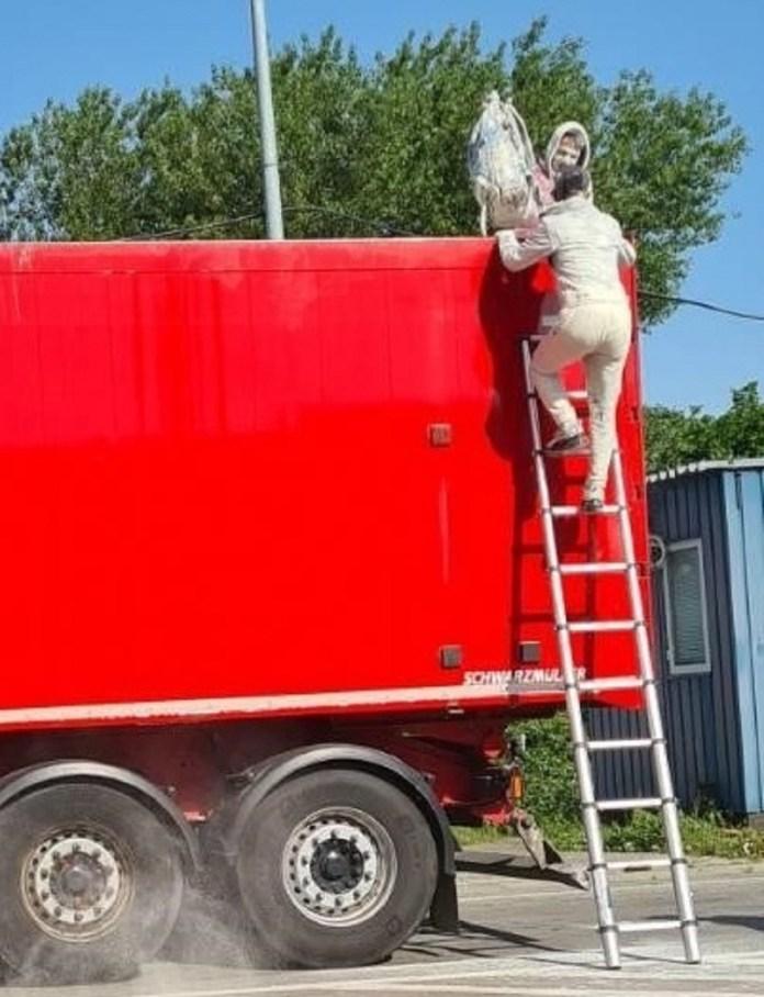 """kamionska-prikolica-pocela-da-se-""""ljulja""""!-pogledajte-sta-su-pronasli-carinici"""