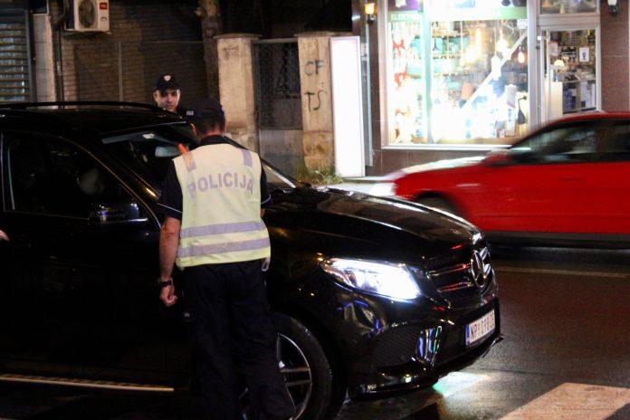 velika-akcija-policije-u-novom-pazaru:-pretresi-objekata,-vozila-i-lica-na-vise-lokacija-(foto)