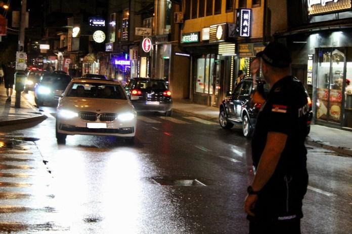 uspesna-akcija-novopazarske-policije!-uhapsena-tri-lica-sa-poternice,-pronadjeno-hladno-oruzje
