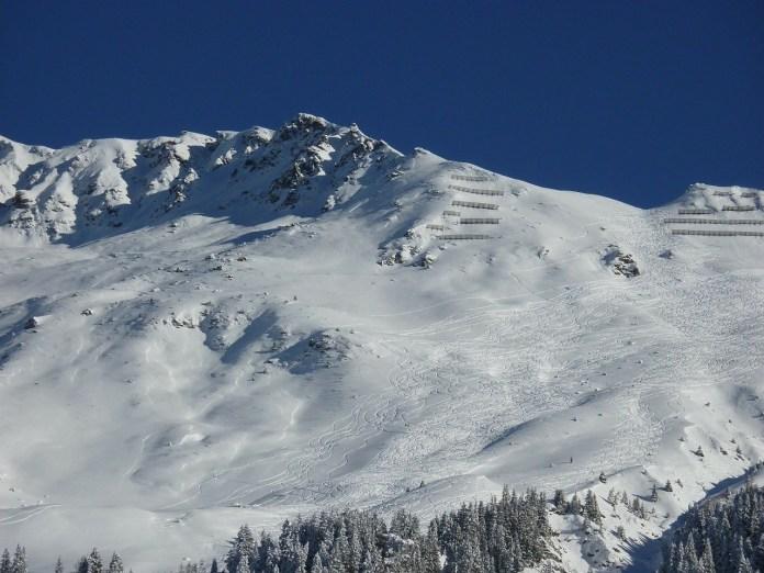 dve-lavine-u-francuskim-alpima,-stradalo-sedam-osoba