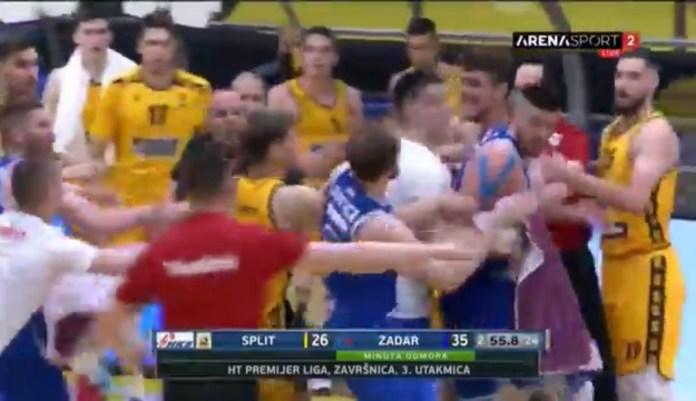 srpski-kosarkasi-se-potukli-u-finalu-prvenstva-hrvatske-(video)
