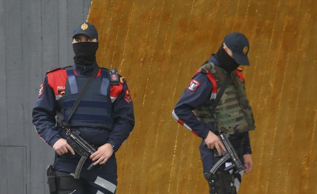 akcija-policije-u-dracu!-oduzeto-4,6-kilograma-eksploziva,-uhapsene-tri-osobe
