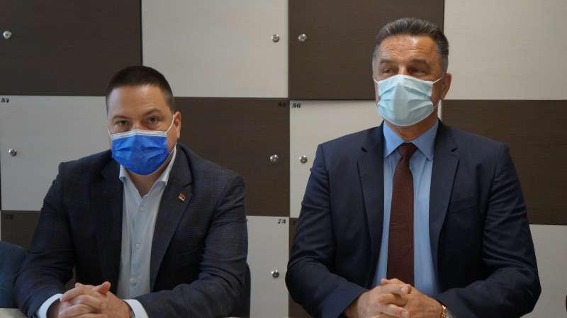 ministar-ruzic-i-gradonacelnik-bisevac-o-ulaganjima-u-obrazovanje,-izgradnji-skola-i-vrtica