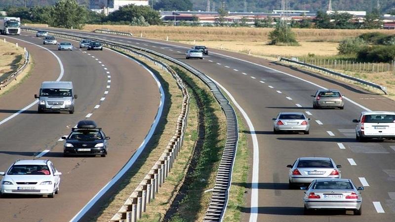 apel-vozacima-–-cesce-pauze-tokom-voznje-u-najtoplijem-delu-dana