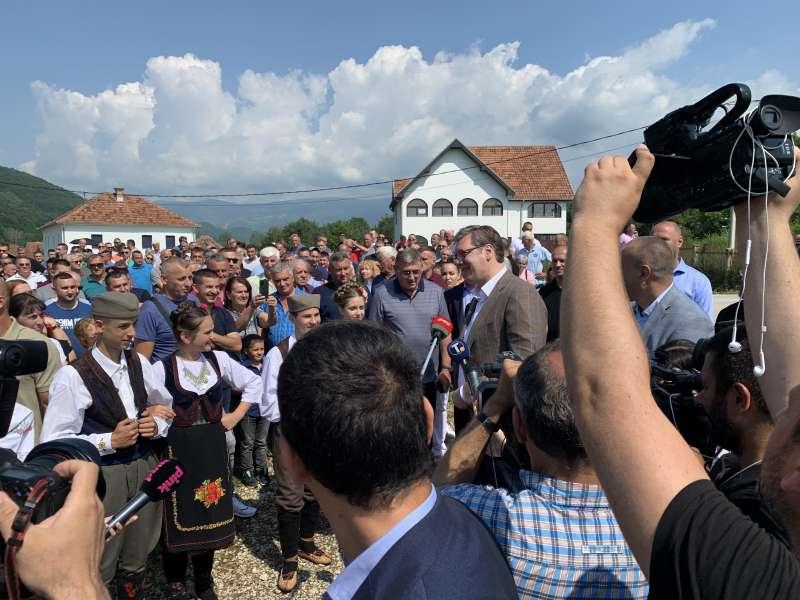 vucic:-da-dovedemo-investitore-i-omogucimo-posao-za-mjestane-dezevskih-sela