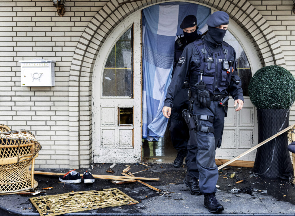 nemacka:-policija-razbila-sifre-i-uhapslila-750-kriminalaca