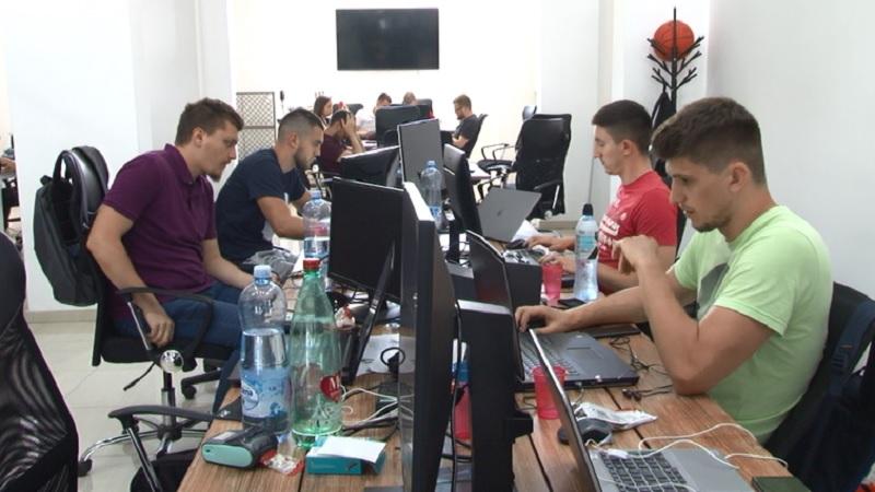 """regionalni-inovacioni-""""start-up-centar""""-u-novom-pazaru-organizuje-jednomesecki-kamp-za-3d-animaciju"""